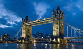 Tower Bridge by By Diliff (Own work) [CC-BY-SA-3.0 (https://creativecommons.org/licenses/by-sa/3.0) or GFDL (http://www.gnu.org/copyleft/fdl.html)], via Wikimedia Commons